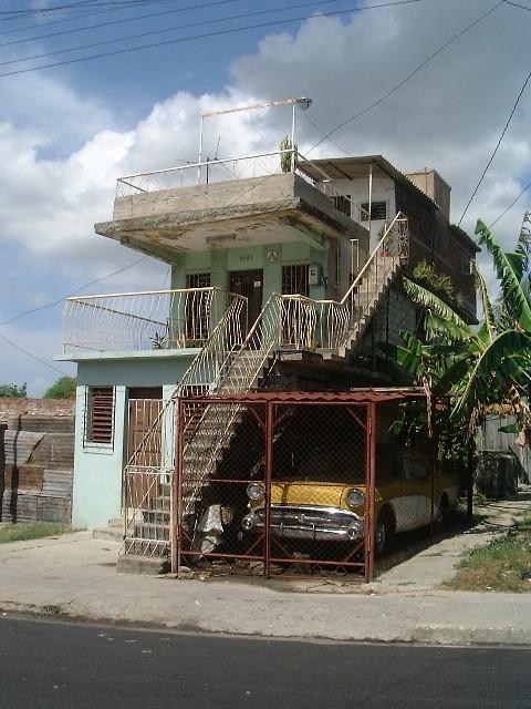 Santiago de Cuba - carro peligroso