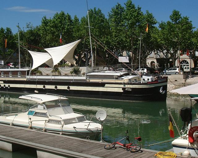 Beaucaire - Quai de la Paix